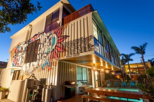 31 Shipping Containers House