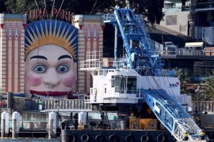 Crane Cable Slams into Sydneys Luna Park