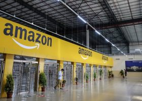 https://sourceable.net/retail-design-strategies-amazon-world/amazon-warehouse/