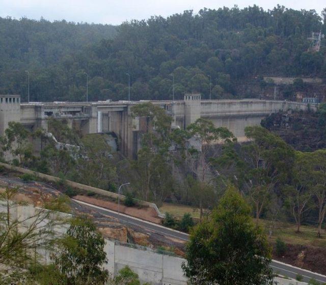 Warragamba Dam wall draft report 'flawed'