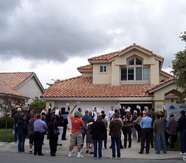 Home auctions spike to test buyer demand