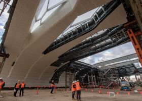 https://sourceable.net/huge-new-roof-will-transform-australias-busiest-train-station/