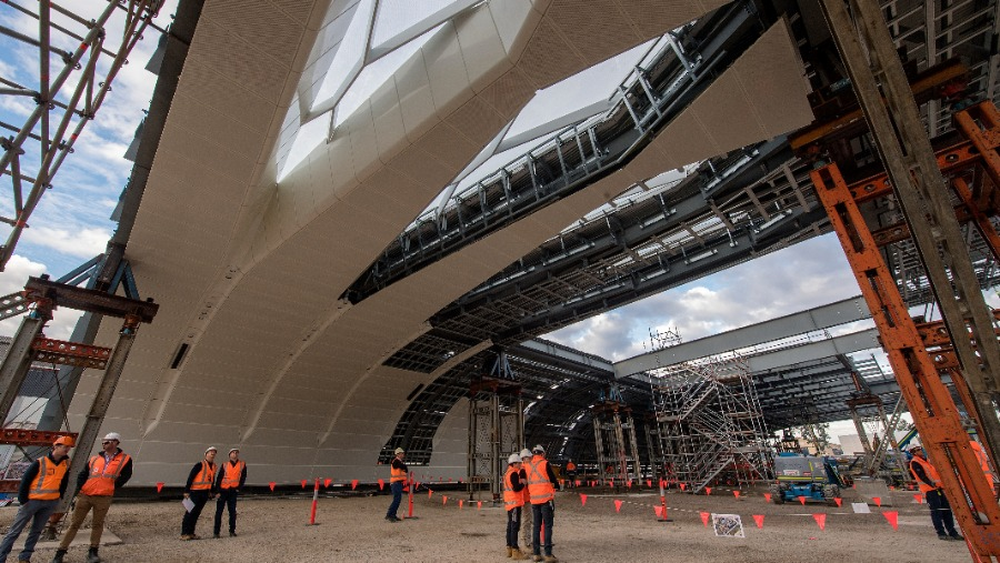 https://sourceable.net/huge-new-roof-will-transform-australias-busiest-train-station/