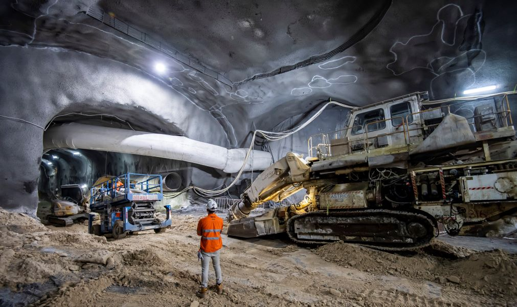 https://sourceable.net/underground-vision-of-sydneys-martin-place-station-revealed/