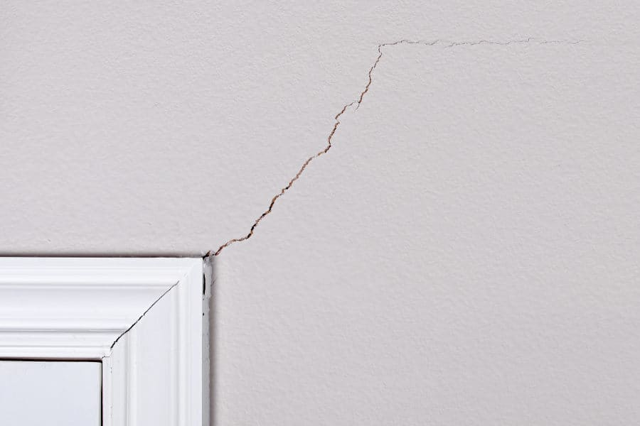 https://sourceable.net/what-do-wall-cracks-say-about-your-home/