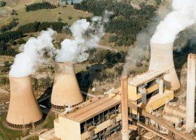 https://sourceable.net/energy-australia-to-shut-coal-plant-and-build-worlds-biggest-battery/