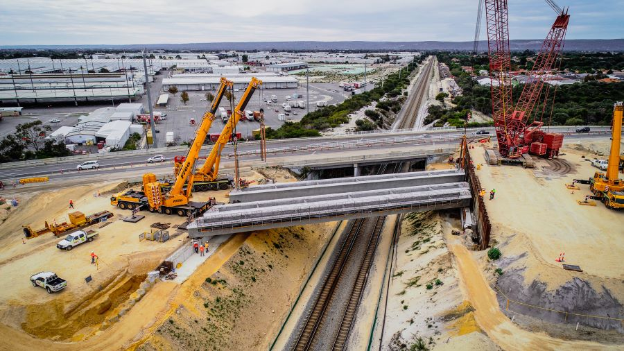 https://sourceable.net/western-australia-installs-states-biggest-ever-manufactured-beams-on-huge-rail-project/