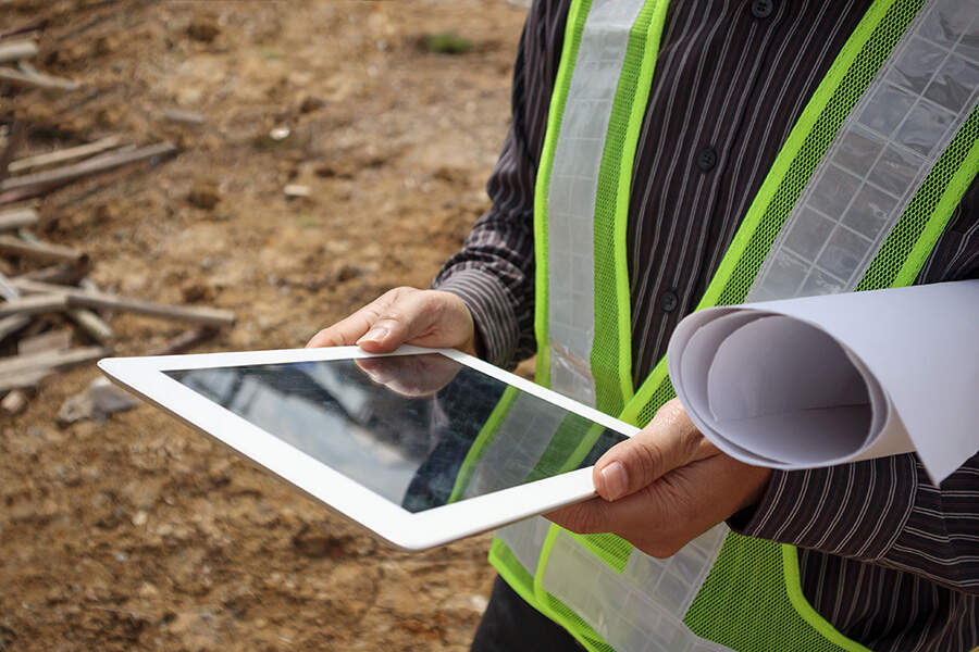 https://sourceable.net/construction-companies-lag-on-technology-uptake-for-compliance/