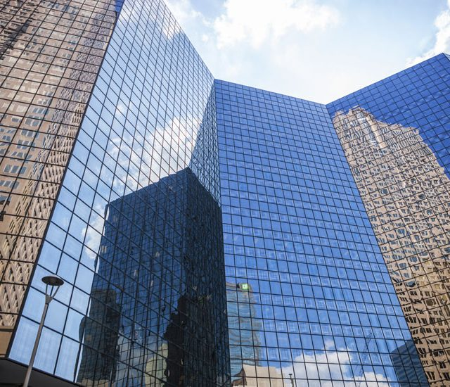 How the Commercial Construction Industry Can Respond to Business Downsizing
